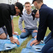 Būsimieji vairuotojai Kauno pareigūnams ir medikams pademonstravo savo įgūdžius