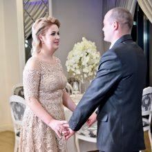 """""""Misija: vestuvės"""" išlikimo kovoje triumfavo itin jauna daugiavaikė mama"""