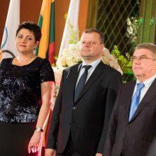 Premjeras pagerbė sportininkus ir susitiko su TOK prezidentu