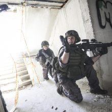 """""""Perkūno griausmo"""" pratybos: kariniai veiksmai persikėlė į Alytaus centrą"""