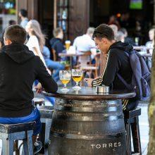 Kaip sumažinti barų lankytojų keliamą triukšmą?