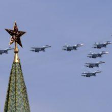 NATO naikintuvai dukart lydėjo Rusijos karinius orlaivius