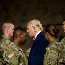 JAV atidedamas karinis paradas, kurį įsakė surengti D. Trumpas
