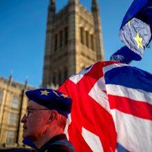 "Laukdama ""Brexito"", Lietuva įdarbina papildomus konsulus Londone, Dubline"