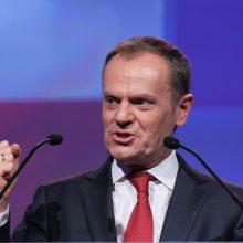 """D. Tuskas: kelios ES narės abejoja dėl """"Brexit"""" pereinamojo laikotarpio"""