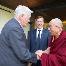 Dėl susitikimo su Dalai Lama Kinija galėtų bausti dar griežčiau?