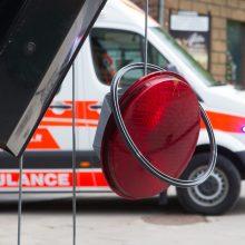 """Avarija Vilniuje: girto vairuotojo """"Audi"""" įlėkė į sankryžą per raudoną"""