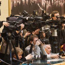 Žiniasklaidos problemos – priklausomybė nuo politikų ir per maža įvairovė