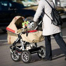 Vaikų priežiūra ir namų ruoša nėra darbas?