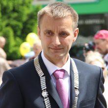 Penkiolika Šiaulių tarybos narių reikalauja atleisti valdžią