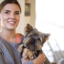 Apkirpti šunį – kur kas brangiau nei vyrą