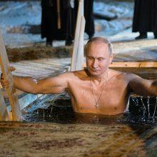 V. Putinas aplankė vienuolyną ir dalyvavo Viešpaties Krikšto šventės maudynėse