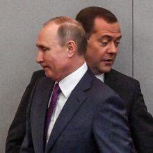 Valdžios žaidimai Rusijoje: tie patys postai, tie patys veidai