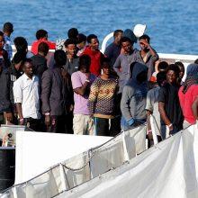 Briuselyje spręs, kaip paskirstyti jūroje išgelbėtus migrantus