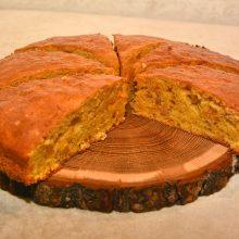 Iš kartos į kartą keliaujantis močiutės morkų pyragas