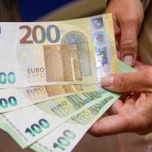 Palygino vidutinius atlyginimus: latviai alkoholio gali įpirkti daugiau nei lietuviai