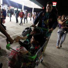 Iš Hondūro JAV kryptimi pajudėjo naujas migrantų karavanas