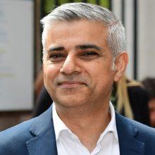 Londono meras nori uždrausti greitojo maisto reklamą visuomeniniame transporte