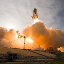 Įperkama daugybei žmonių: kiek kainuos bilietas į kosmosą?