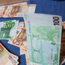 Policininku apsimetęs sukčius iš senolės išviliojo 600 eurų