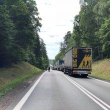 Praneša kaunietis: prie Lietuvos pasienio – didžiulė avarija, kelias nepravažiuojamas
