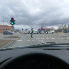 Nelaimė Šiauliuose: atvykusi įforminti eismo įvykio partrenkta pareigūnė