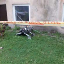 Per plauką nuo tragedijos: nukrito balkonas su žmonėmis <span style=color:red;>(savivaldybės komentaras)</span>