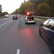 Pareigūnams įkliuvo ir girtas ukrainietis, ir vaikus vežęs neblaivus motociklininkas