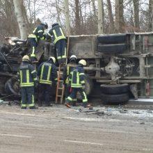 Avaringas rytas Kaune: sniego išbandymų neišlaikė per 10 vairuotojų