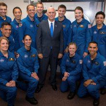 NASA komandą papildė 12 naujų astronautų