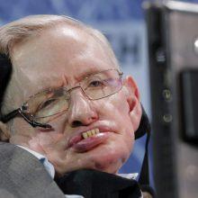 """Prieš mirtį parašytame darbe S. Hawkingas """"sumažino"""" multivisatą"""
