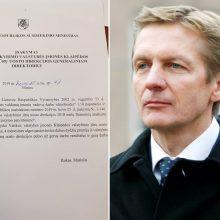 Iš pareigų atleistam A. Vaitkui tą pačią dieną ministras skyrė premiją
