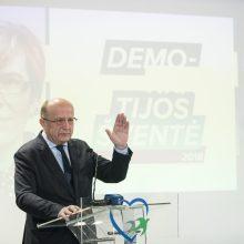 """V. Landsbergis: visuomeniniai komitetai – savų """"chebrutės"""" ir """"gaujelės"""""""