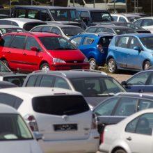 Ateinančiais metais bus galima registruoti dešiniavaires transporto priemones