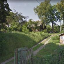 Sostinėje – gąsdinanti nelaimė: ant namo užvirto metalinis bokštas