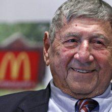 """Mirė legendinio mėsainio """"Big Mac"""" išradėjas"""