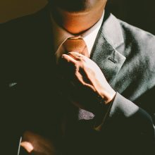 Kylame karjeros laiptais: kaip bendrauti su vadovu?