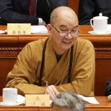 Kinijos budistų lyderis atsistatydino vykstant tyrimui dėl lytinio išnaudojimo