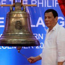 Filipinų prezidentas prisipažino priekabiavęs prie tarnaitės
