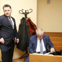 Dėl partizanų vado paniekinimo teisiamas V. Titovas su teismu bendrauja raštu