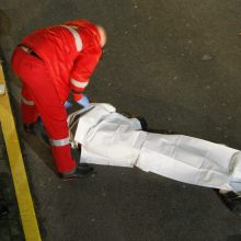 Klaipėdoje žuvo iš daugiabučio iškritusi moteris