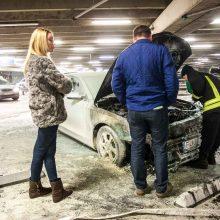 Pavojus: dalis vairuotojų važinėja techniškai netvarkingais ir net pavojingais aplinkiniams automobiliais, tačiau toli gražu ne visi jie yra  eismo įvykių aukos.