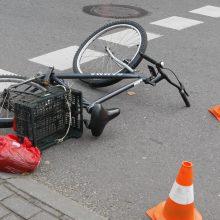 Uostamiestyje automobilis partrenkė dviratininką