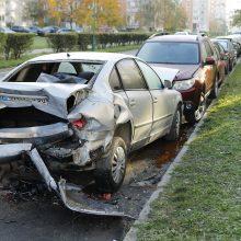Po masinės avarijos skaičiuoja nuostolius