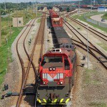Nuo transporto dusulio gelbėtų ir geležinkeliai
