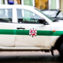Girta vairuotojo žmona neblaivų vyrą bandė gelbėti duodama kyšį