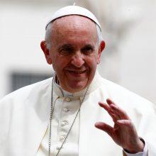 Popiežius kreipėsi į Lietuvos, Latvijos ir Estijos žmones: norėčiau visus apkabinti