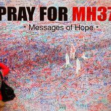 Dingusio Malaizijos lėktuvo keleivių artimieji nenuleidžia rankų