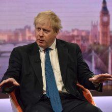 B. Johnsonas: Sirijos karas tęsis nepaisant Vakarų šalių smūgių
