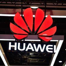 """Pagal išmaniųjų telefonų pardavimus """"Huawei"""" aplenkė """"Apple"""""""
